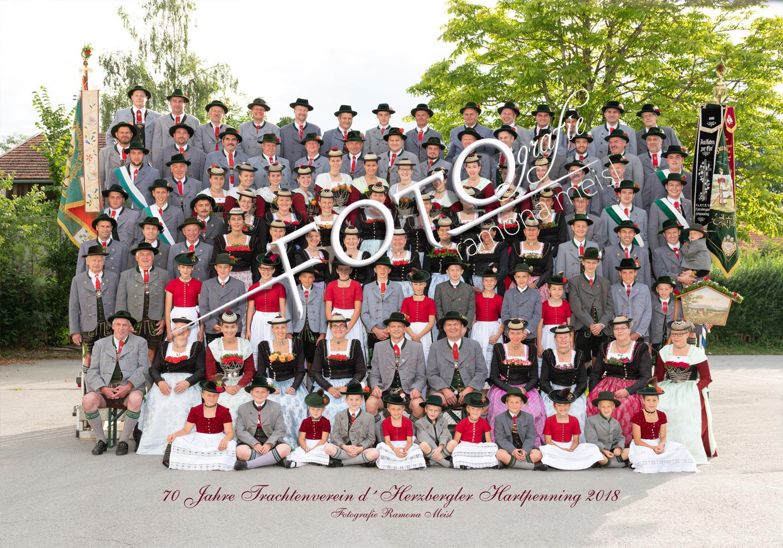 Gruppenfoto-Trachtenverein-Vereinsfoto