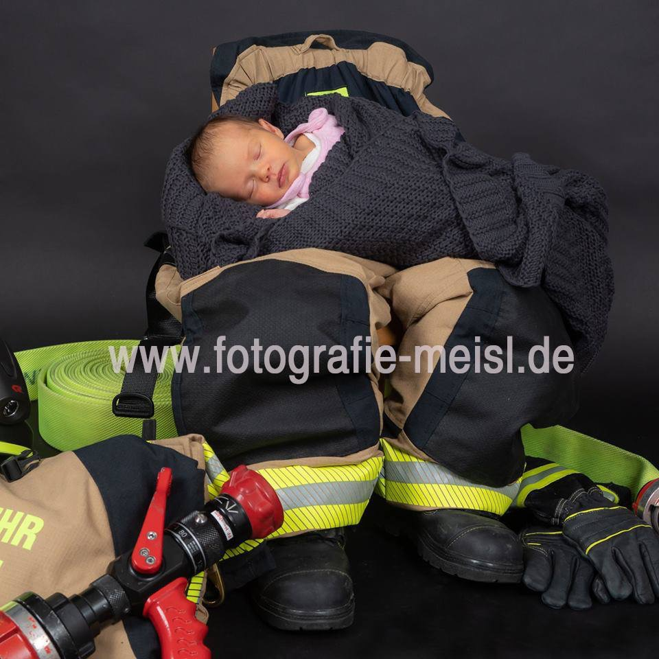 Newborn-Shooting, Newborn Foto, Newborn, Feuerwehr, Kleinkind, Kindershooting, Kinderfotos, Babyshooting, Babyfotos